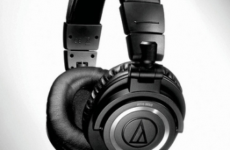 Audio Technica ATH-M50x – Popular Headphones for Smart Listeners